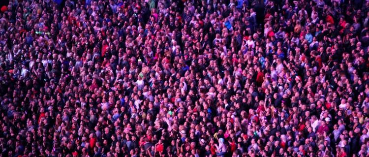 9 sposobw na poznanie nowych ludzi - Mateusz Grzesiak Blog
